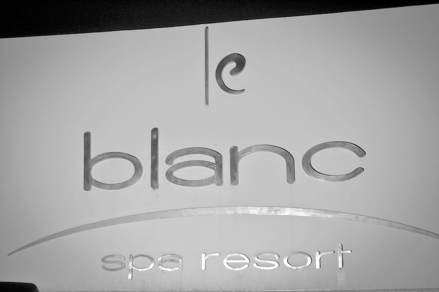le blanc spa resort hotel sign