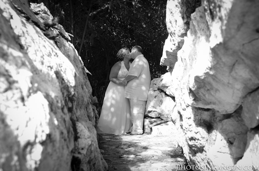 Trash the Dress sessions in cenotes