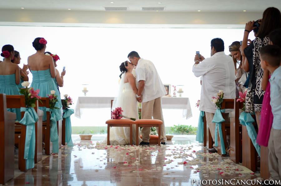 Cancun Mexico Candid Wedding Photographers
