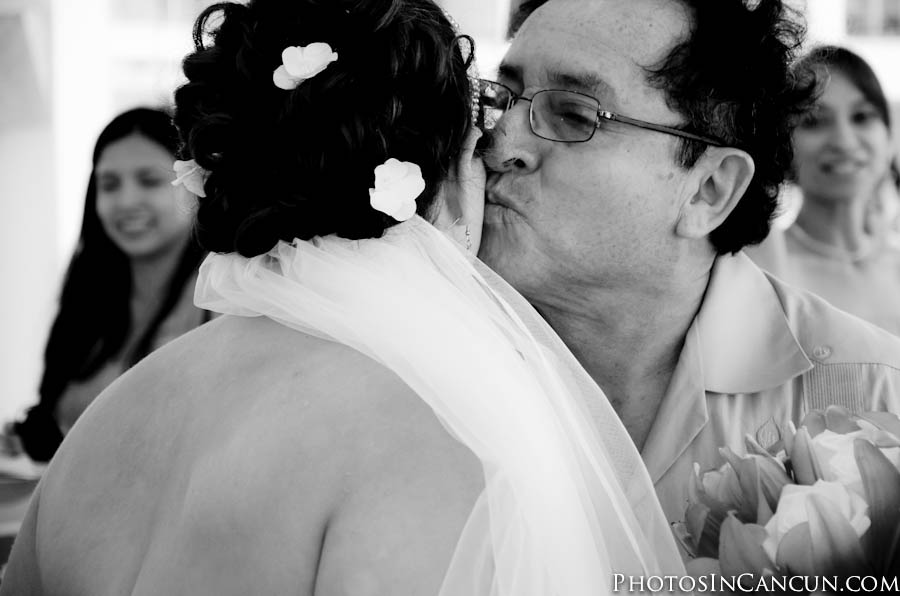 Photojournalistic Wedding Photos