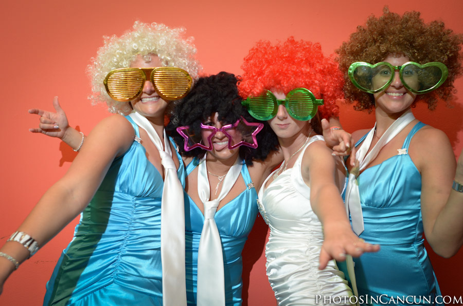 Photobooth Costumes Cancun & Playa Del Carmen