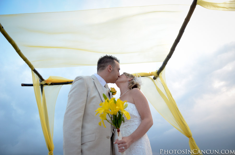Gazebo in Puerto Vallarta Wedding Photos