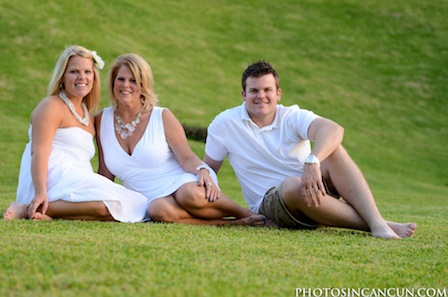 Thumbnail image for Cancun Beach Family Photo Session